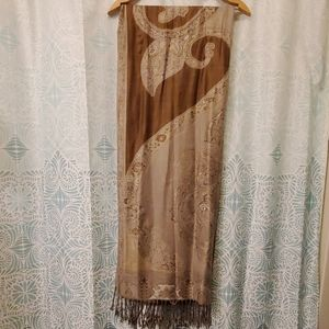 Lovely shawl in brown and beige